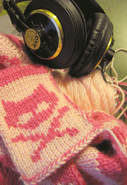 Dead kitty scarf: 64 percent complete