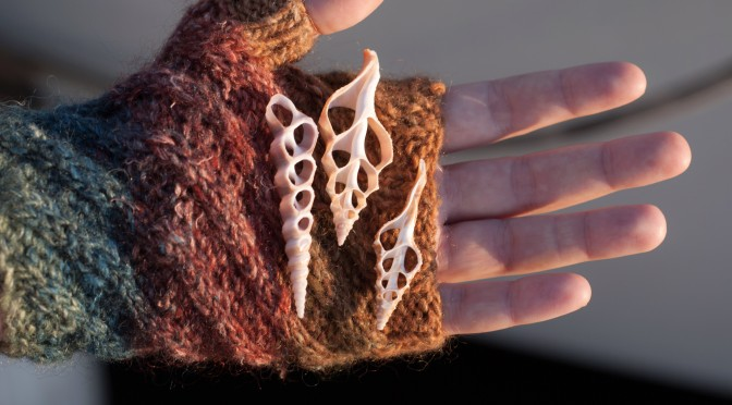 New pattern: Columella fingerless mitts